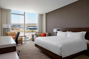 Room - Marriott Hotel Airport Calgary