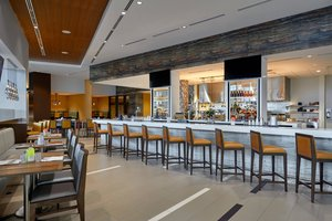 Restaurant - Marriott Hotel Airport Calgary