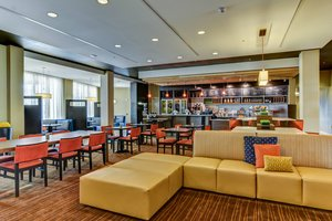 Lobby - Courtyard by Marriott Hotel Bridgeport
