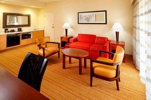 Suite - Courtyard by Marriott Hotel Newark