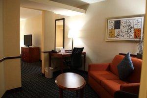 Suite - Fairfield Inn & Suites by Marriott Denton