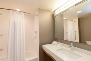 Room - Courtyard by Marriott Hotel Spring