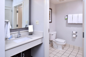 Room - Courtyard by Marriott Hotel Decatur