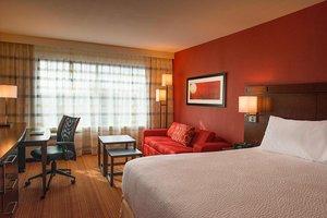 Room - Courtyard by Marriott Hotel Woodland Hills