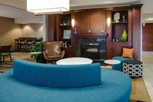 Lobby - Fairfield Inn & Suites by Marriott Airport Kansas City