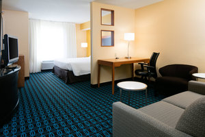 Suite - Fairfield Inn & Suites by Marriott Airport Kansas City