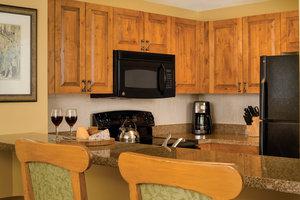 - Marriott Vacation Club StreamSide Evergreen Villas Vail