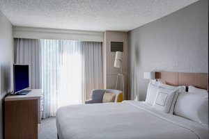 Suite - Courtyard by Marriott Hotel Convention Center