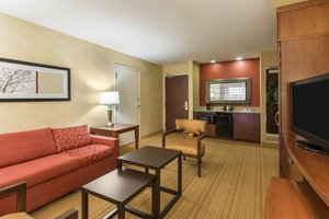 Suite - Courtyard by Marriott Hotel North Wales