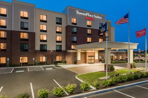 Exterior view - TownePlace Suites by Marriott Airport Latham