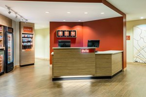 Lobby - TownePlace Suites by Marriott Airport Latham