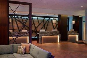 Lobby - Marriott Hotel Toronto Airport Etobicoke