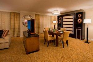 Suite - Marriott Hotel Toronto Airport Etobicoke