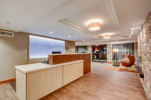 Lobby - Fairfield Inn by Marriott Woburn