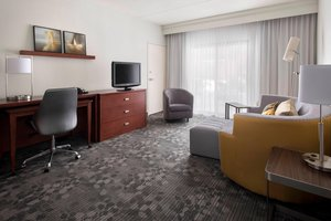 Suite - Courtyard by Marriott Hotel Norwood