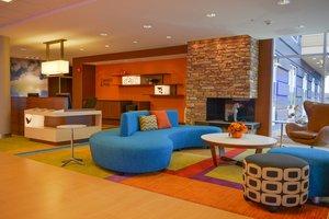 Lobby - Fairfield Inn & Suites by Marriott South Canton