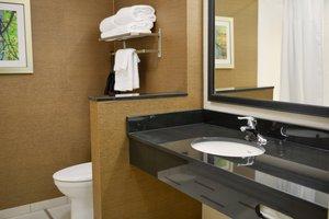 Room - Fairfield Inn & Suites by Marriott South Canton