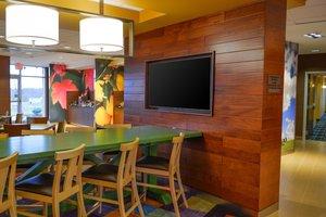 Restaurant - Fairfield Inn & Suites by Marriott South Canton