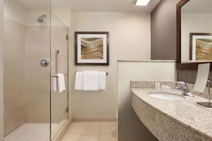 - Courtyard by Marriott Hotel Charlotte Airport