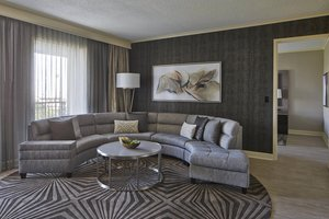 Suite - Marriott Hotel Legacy Town Center Plano