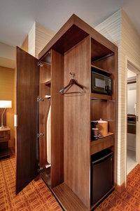 Room - Fairfield Inn & Suites by Marriott Hutchinson