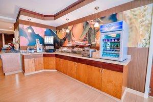 Restaurant - Fairfield Inn by Marriott Medford