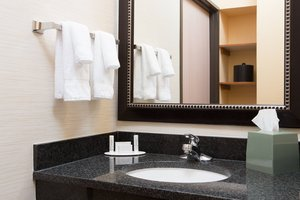 Room - Fairfield Inn by Marriott Olathe