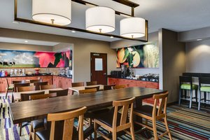 Restaurant - Fairfield Inn by Marriott Olathe