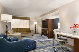 Delta Hotel By Marriott Romulus Mi See Discounts