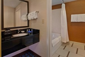 - Fairfield Inn & Suites by Marriott Boca Raton