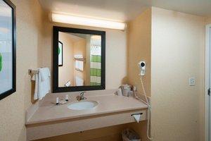 Room - Fairfield Inn & Suites by Marriott Brunswick