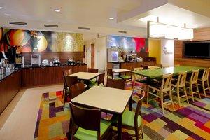 Restaurant - Fairfield Inn & Suites by Marriott Southeast Tampa