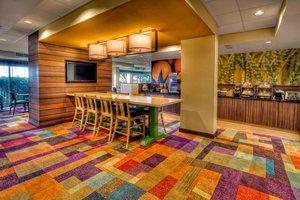 Restaurant - Fairfield Inn & Suites by Marriott Destin Beach