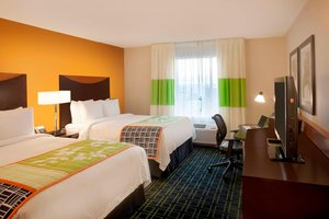 Room - Fairfield Inn & Suites by Marriott Mississauga