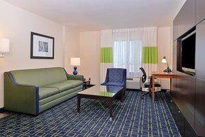 Suite - Fairfield Inn & Suites by Marriott Aurora