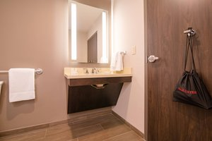 Room - Fairfield Inn & Suites Downtown New Orleans