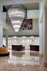 Lobby - Marriott Hotel EWR Airport Newark