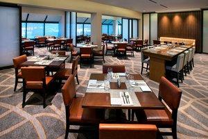 Restaurant - Marriott Hotel EWR Airport Newark