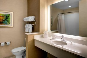 Room - Fairfield Inn & Suites by Marriott South Stockbridge