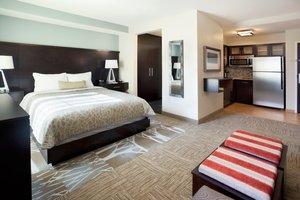 Room - Staybridge Suites Dearborn