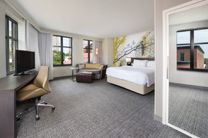 Room - Courtyard by Marriott Hotel Downtown Richmond
