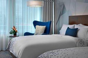 Room - Renaissance Hotel Airport Edmonton
