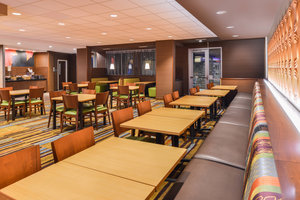 Restaurant - Fairfield Inn & Suites Coralville