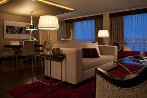 Suite - Renaissance Hotel Newark Airport