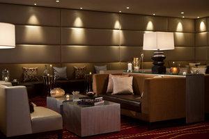 Restaurant - Renaissance Hotel Newark Airport