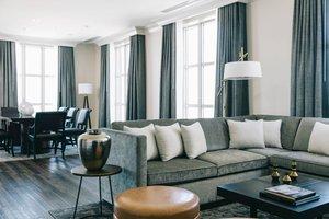 Suite - Marriott St Louis Grand Hotel