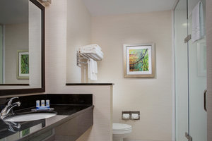 Room - Fairfield Inn & Suites by Marriott Tunnel Road Asheville