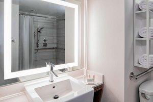 Room - Fairfield Inn & Suites by Marriott Financial District New York