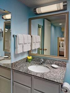 - Sonesta ES Suites Perimeter Center Montgomery