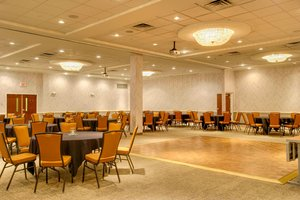 Ballroom - SpringHill Suites by Marriott Lawrence